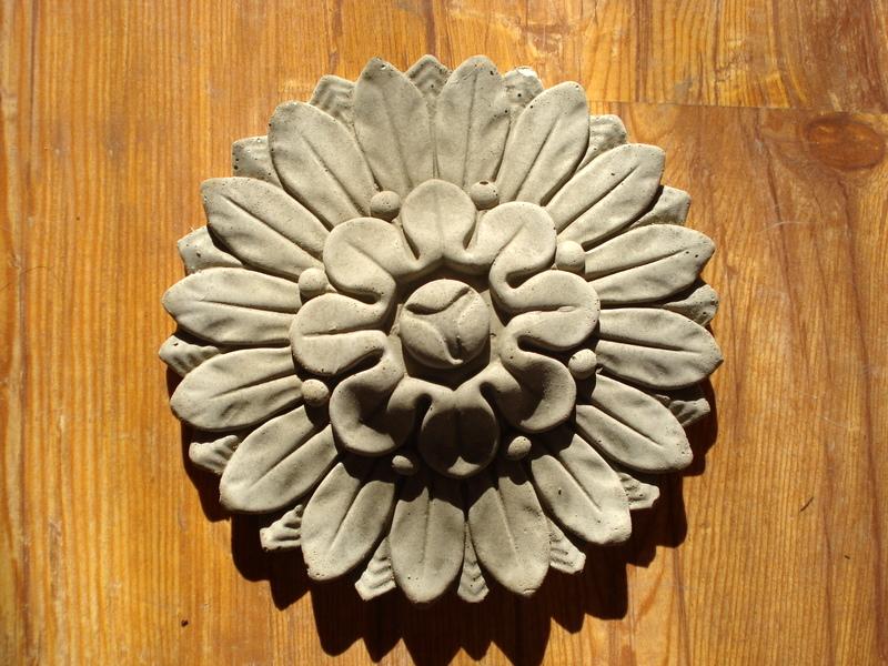 Stucco wunderschönes Wanddekor Bekrönungsdekor Stuck auch als Paar Blumen Dekor